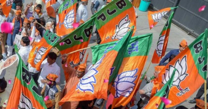 Cricketer Dinda, ex-IPS officer Ghosh and 8 turncoats among BJP's Bengal candidates